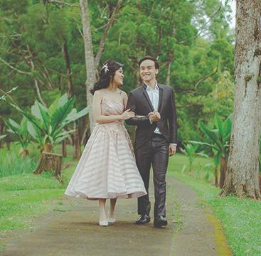 Punya budget pas-pasan tapi ingin foto pre-wedding yang bagus? Inilah beberapa tempat gratis di Jakarta yang bisa digunakan untuk lokasi foto pre-wedding!