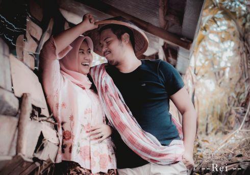 Pre-Wedding Photoshoot Indoor or Outdoor Around Jakarta